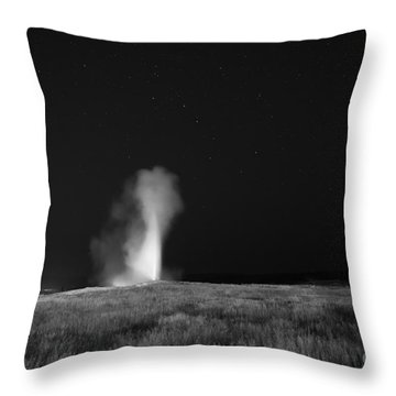 Old Faithful Erupting At Night  Throw Pillow