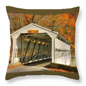 Pa Country Roads - Knox Covered Bridge Over Valley Creek No. 2a - Valley Forge Park Chester County Throw Pillow