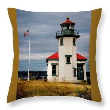 Point Robinson  Lighthouse,vashon Island.wa Throw Pillow