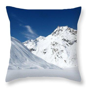 Rifflsee Throw Pillow