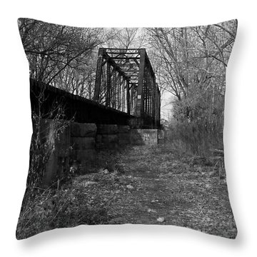 Rusty Railroad Trestle Bridge - Bw Throw Pillow