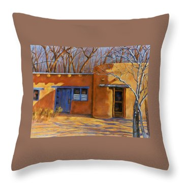 Sol Y Sombre Throw Pillow