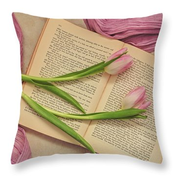 Throw Pillow featuring the photograph Spring Beauty 2 by Kim Hojnacki