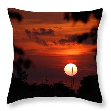 Sunset At Lake Hefner Throw Pillow