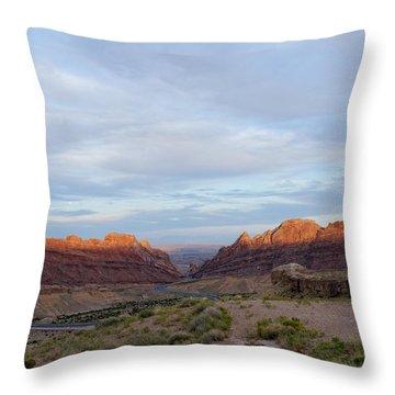 The Castles Near Green River Utah Throw Pillow