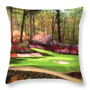 12th Hole At Augusta Ver Throw Pillow