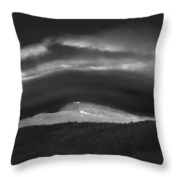 Throw Pillow featuring the photograph 135765 Mt. Washington Lenticular Cloud Nh by Ed Cooper Photography