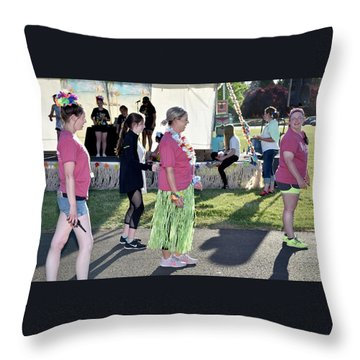 1422 Throw Pillow