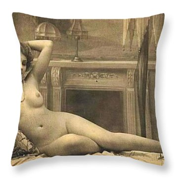 Digital Ode To Vintage Nude By Mb Throw Pillow