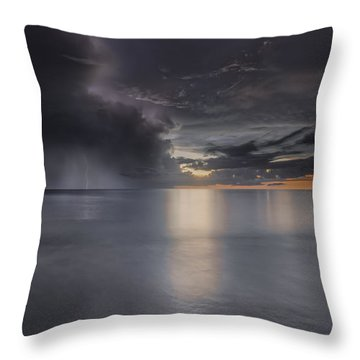 Sunst Over The Ocean Throw Pillow