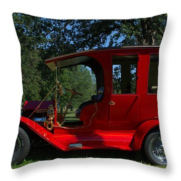 1909 Ford Model T Limo Custom Hot Rod Throw Pillow