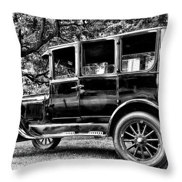 1926 Ford Model T Throw Pillow by Bill Cannon