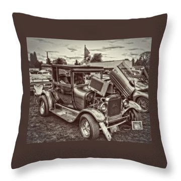 1926 Ford Model T Coupe Throw Pillow