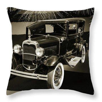 1930 Ford Model A Original Sedan 5538,16 Throw Pillow