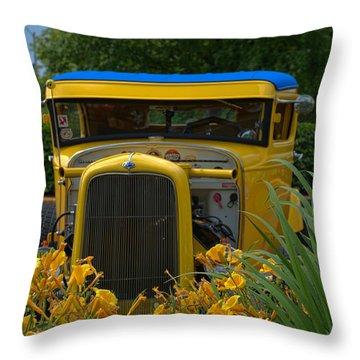 1931 Ford Sedan Hot Rod Throw Pillow