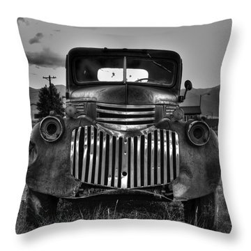 1940's Chevrolet Grille Throw Pillow