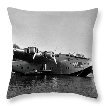 1942 China Clipper Flying Boat In Hawaii Throw Pillow