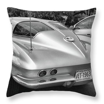 1963 Split Rear Window Coupe Throw Pillow