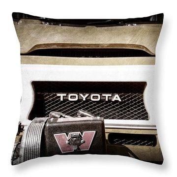 1978 Toyota Land Cruiser Fj40 Grille Emblem -0558ac Throw Pillow