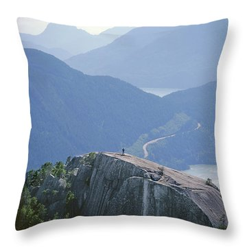 1m2918 South Summit Stawamus Chief From Second Summit Throw Pillow