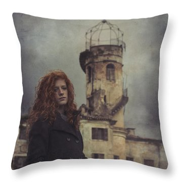 Des Poussieres De Toi Throw Pillow