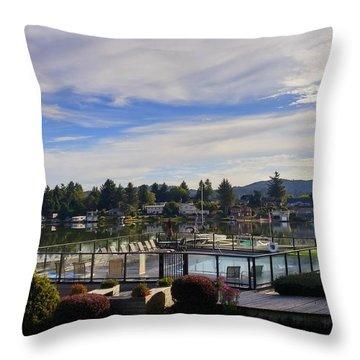 Devils Lake Oregon Throw Pillow