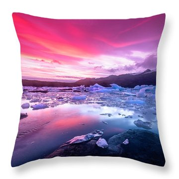 Icebergs In Jokulsarlon Glacial Lagoon Throw Pillow