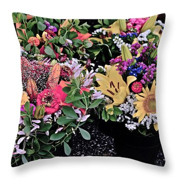 2015 Monona Farmers Market Flowers 1 Throw Pillow