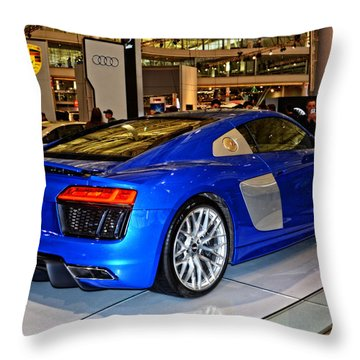 2016 Audi R8 Throw Pillow