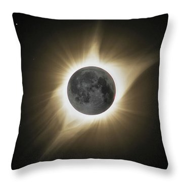 2017 Eclipse Hdr Throw Pillow