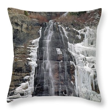 212m40 Bridal Veil Falls Utah Throw Pillow
