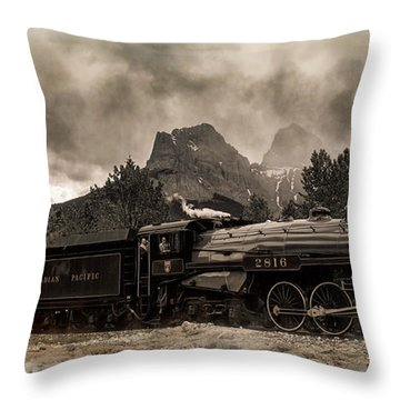 2816 Empress At Three Sisters - Canmore Throw Pillow