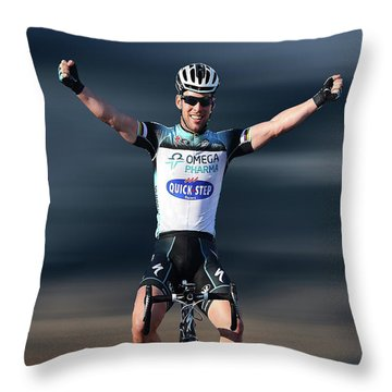 Mark Cavendish 4 Throw Pillow