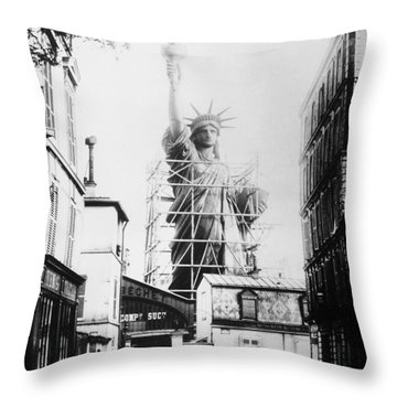 Statue Of Liberty, Paris Throw Pillow