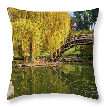 The Beautiful Fall Colors Of The Japanese Gardens In The Hunting Throw Pillow