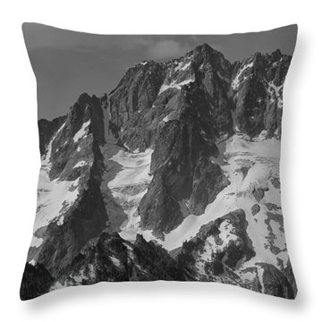304630 Bw North Face Mt. Stuart Throw Pillow
