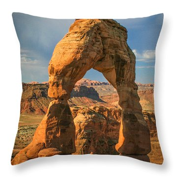 #3057 - Delicate Arch, Utah Throw Pillow