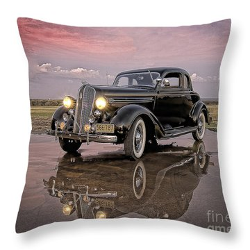 36 Plymouth Reflections Throw Pillow