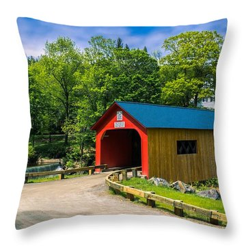 Green River Covered Bridge. Throw Pillow