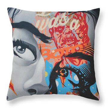 La Street Art Throw Pillow
