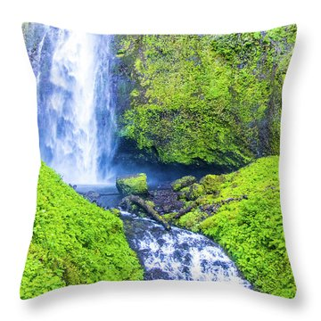 Throw Pillow featuring the photograph Multnomah Falls by Jonny D