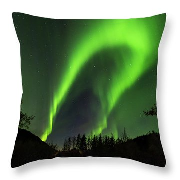 Northern Lights, Aurora Borealis At Kantishna Lodge In Denali National Park Throw Pillow