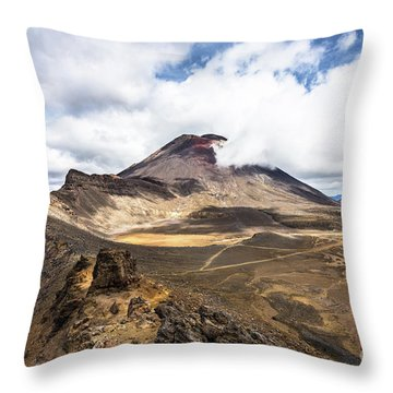 Tongariro Alpine Crossing In New Zealand Throw Pillow