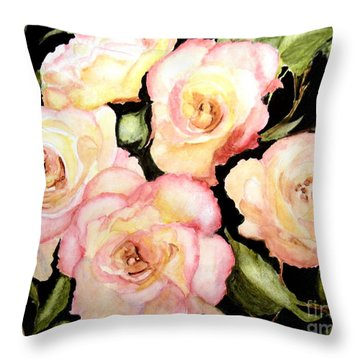 5 Roses Of Beauty Throw Pillow