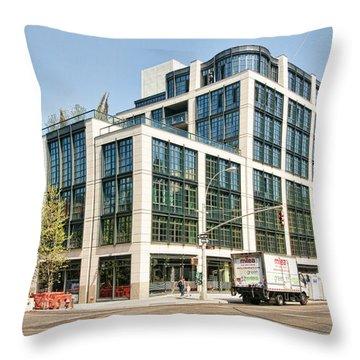 500 W 21st Street 4 Throw Pillow