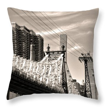59th Street Bridge No. 4-1 Throw Pillow