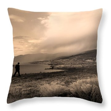 5th Wheel Throw Pillow by John Poon