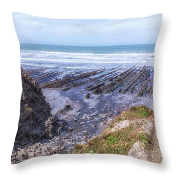 Welcombe Mouth Beach - England Throw Pillow