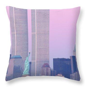 Usa, New York, Statue Of Liberty Throw Pillow