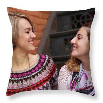 9g5a9432_e Throw Pillow